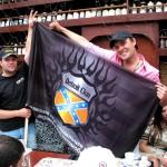 Артемий с флагом клуба
